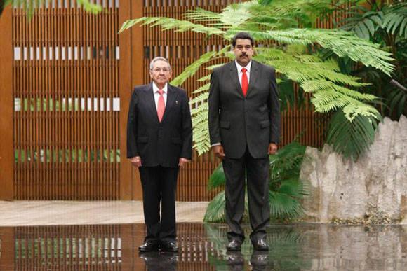 Raúl y Maduro en Palacio de la Revolución. Foto: @PresidencialVen.