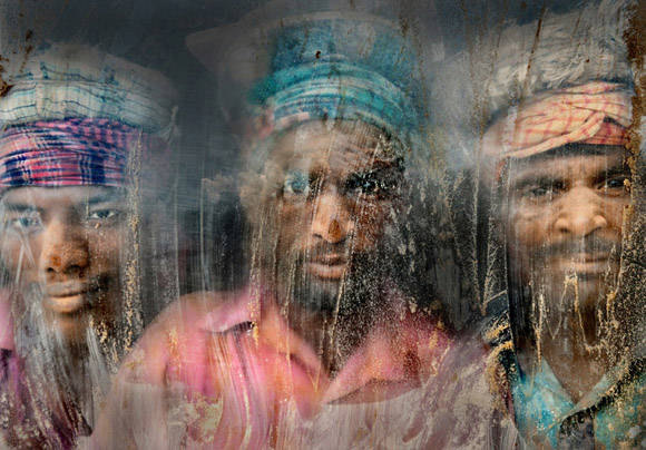 """Trabajadores"", segundo lugar. Foto: Faisal Azim."