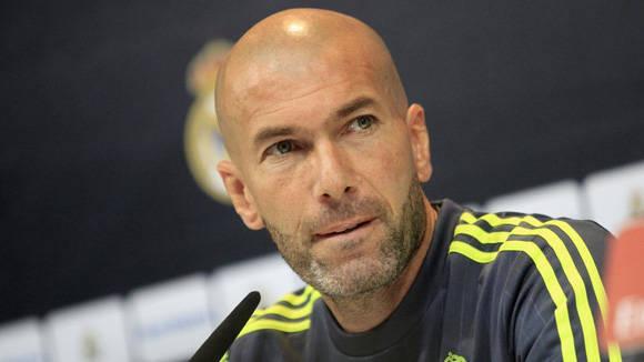 Zinedine Zidane, en conferencia de prensa en el Real Madrid. Foto:  EFE .