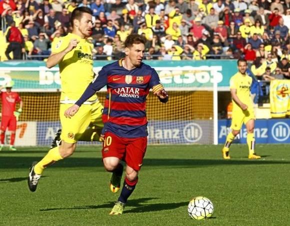 Messi en juego contra el Villareal. Foto: Amparo Simó. Marca