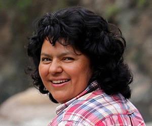 Berta Cáceres fue atacada por dos hombres armados el 3 de marzo en su casa en la ciudad de La Esperanza un día antes de cumplir 45 años.