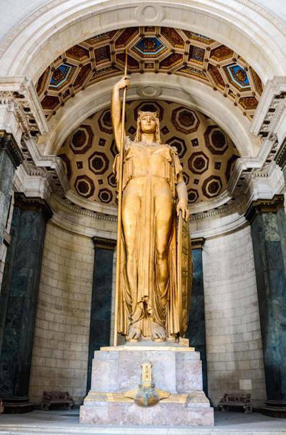 Estatua de la República de Cuba, situada en el Capitolio Nacional, en La Habana, Cuba el 17 de marzo de 2016. Foto: Abel Padrón Padilla/ACN
