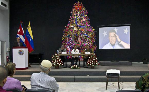 Rinden homenaje a Chávez en Casa de las Américas en el tercer aniversario de su desaparación física. Foto: Ismael Francisco/Cubadebate.