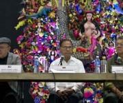De izq. a der. Miguel Barnet, Alí Rodríguez y Earle Herrera. Foto: Ismael Francisco/Cubadebate.