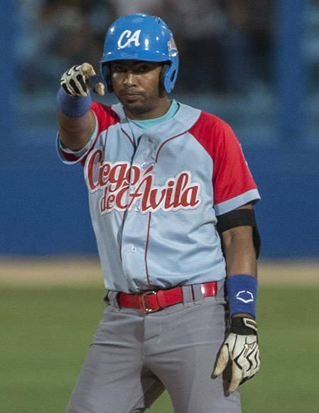 Raul Gonzalez decidio con doble el partido. Foto: Ismael Francisco/Cubadebate.