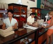 CUBA- CIENFUEGOS- CELEBRAN TRABAJADORES DEL COMERCIO LA GASTRONOMÍA Y LOS SERVICIOS