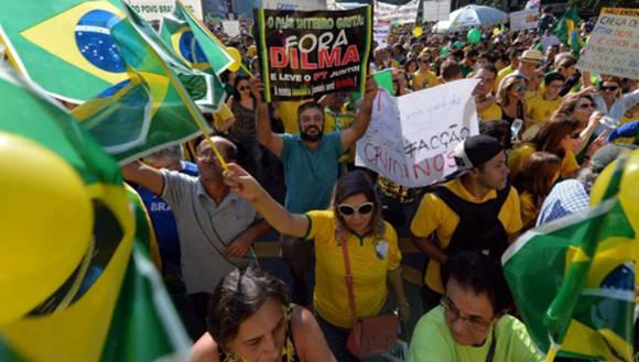 """Rousseff exhortó a que las protestas contra su gobierno se desarrollen de forma pacífica. """"Hago un llamamiento para que no haya violencia"""". Foto: TelesurTV."""