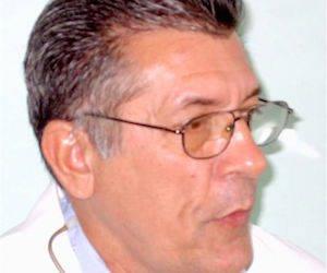 el Doctor Carlos Hernández Padrón, Jefe del Servicio de Hematología de la Clínica de Adultos del Instituto de Hematología e Inmunología de La Habana.