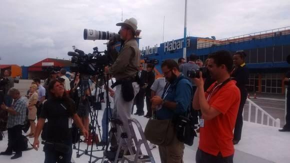 Los fotorreporteros alertas. Foto: Ismael Francisco/ Cubadebate