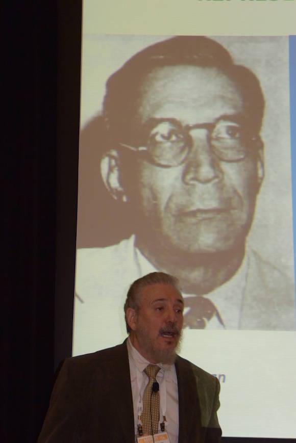 El Doctor en Ciencias Fidel Castro Díaz-Balart realizó una conferencia invitada sobre el desarrollo de la física nuclear y la nano-física en Cuba.