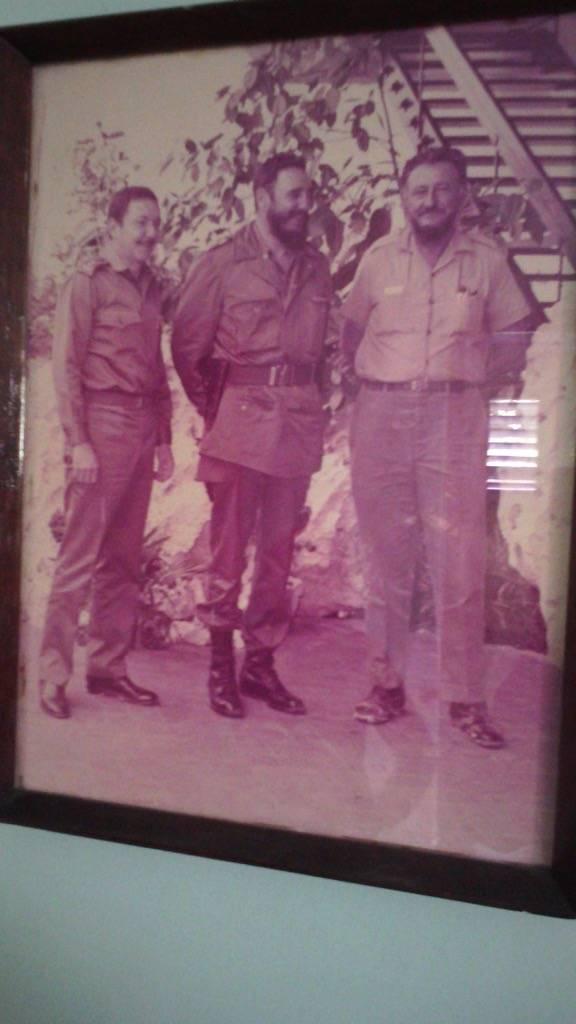 """Mongo acudió a la """"Casa de Visita"""", con su pantalón y botas con restos de tierra y lodo. Foto: Archivo familiar"""