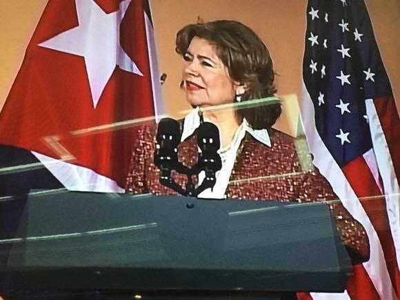 María Contreras, administradora de la Agencia de Pequeños Negocios de los Estados Unidos .Twitter de Cubadeabte.