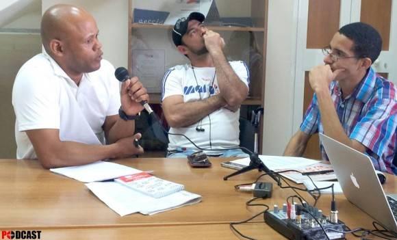 Arzuaga, Michel y Oscar, en la transmisión del podcast. Foto: Luis Eduardo