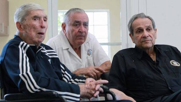 Reinauguran Posada Carriles y otros terroristas museo de brigada que invadió a Cuba en operación de la CIA