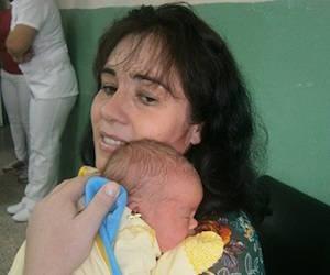 Inés Manzano Herrera, del poblado cienfueguero de Cumanayagua, con su bebé. Foto: Radio Rebelde