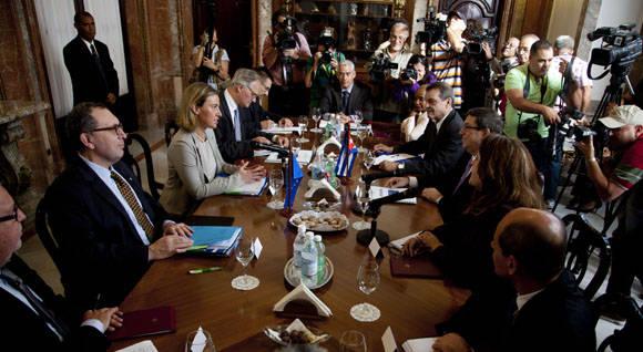 Representantes de la UE y Cuba en el Minrex. Foto: Ismalel Francisco/Cubadebate.