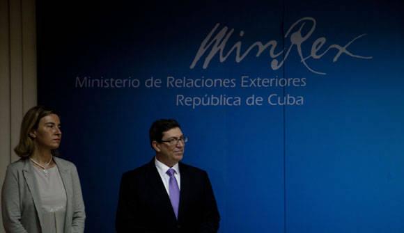 Ambos funcionarios se mostraron satisfecho con el proceso de negociaciones. Foto. Ismael Francisco/Cubadebate.