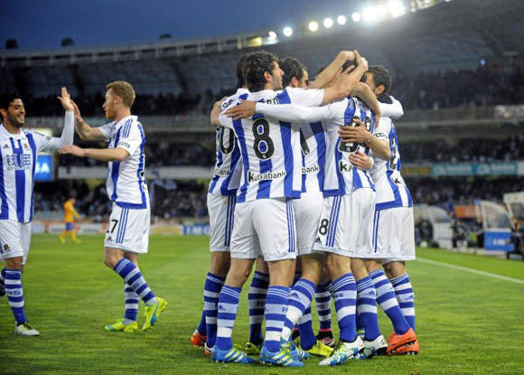 La Real celebra el gol. Foto: Josune Martínez/ Marca.