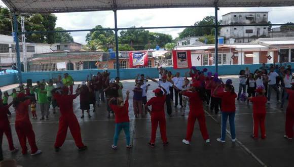 Barrio Adentro Deportivo, composición gimnástica Adulto Mayor. Foto: Cortesía del autor