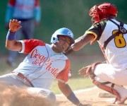Beisbol-Final-Serie-55-CA vs PR 3ser play gana ciego 6 x 5 jugada en home Raul Gonzalez CA