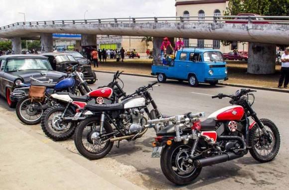 Motos que participarán en el filme. Foto: David González.