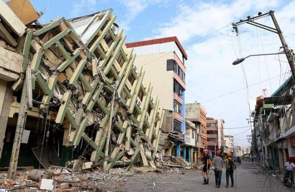 El casco central de Portoviejo donde se concentraba el comercio de esta capital quedó reducido a escombros tras el terremoto del pasado 16 de abril. Foto: César Muñoz/ Andes.