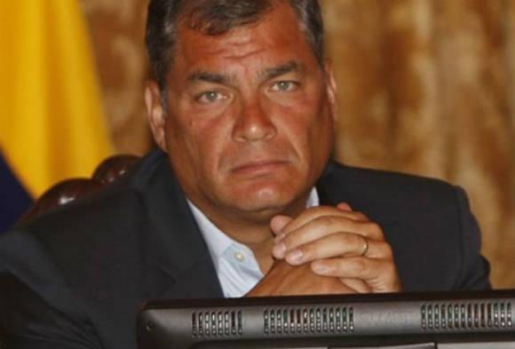 El presidente de Ecuador, Rafael Correa, anunció que en las próximas horas suscribirá un decreto para declarar ocho días de luto nacional. Foto: EFE.