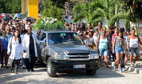 El pueblo de Santa Clara despide a Eric Omar Pérez de Alejo Quesada. Foto: Arelys María ECHEVARRÍA RODRÍGUEZ/ACN