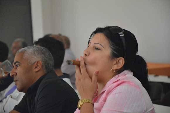 El maridaje con habanos fue una de las propuestas del Festival. Foto: Abel Padrón Padilla/ ACN.