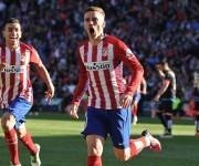 Griezmann marca el 1-0 y lleva al Atlético a la cima a la espera del Barcelona.
