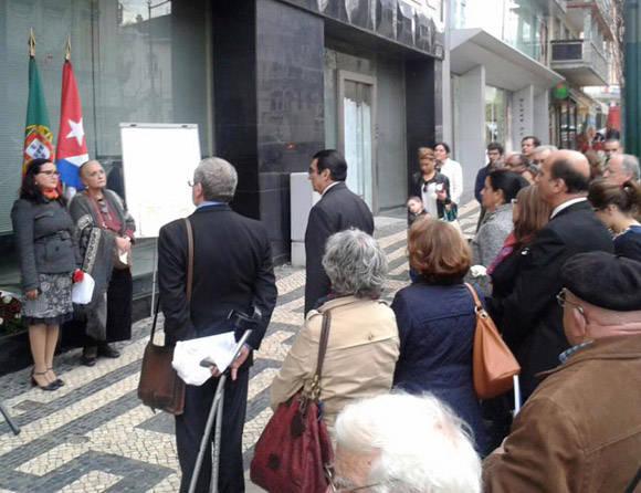 Diplomáticos rinden tributo a Efrén Monteagudo y Adriana Corcho en Portugal.  Foto: Embajada de Cuba en Portugal.
