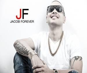 """Jacob Forever y su """"malecón"""" fichan por Sony Music."""