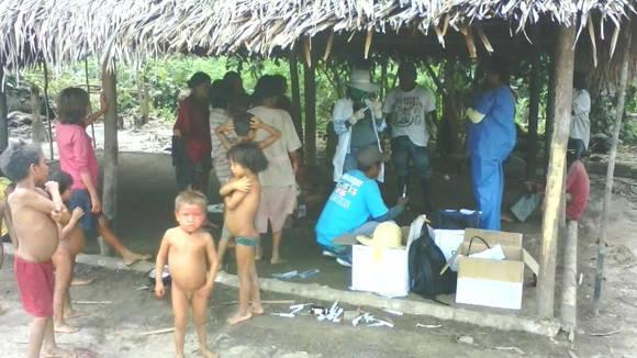 Jornada de salud en comunidad indígena Yanomami, Río Negro, Amazonas. Foto: Cortesía del autor