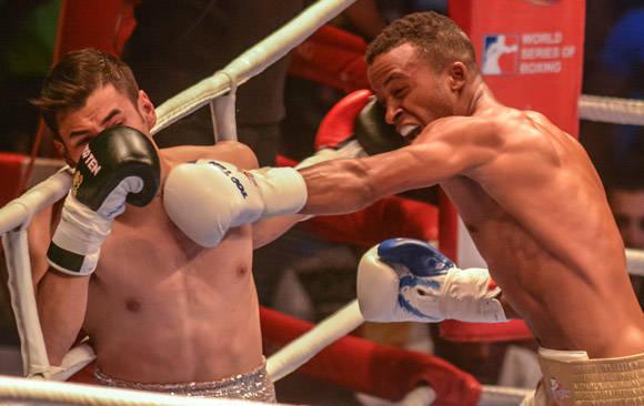 En los 60 Kg, Lázaro Álvarez derrotó a Lindolfo Delgado. Foto: Marcelino Vázquez Hernández/ ACN.