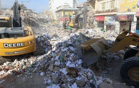 Lo que fue el centro de Portoviejo está en escombros. Foto: Andes.