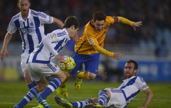 Messi tuvo el brazalete de capitán, pero no pudo liderar a su equipo hacia la victoria. Foto tomada de Marca.