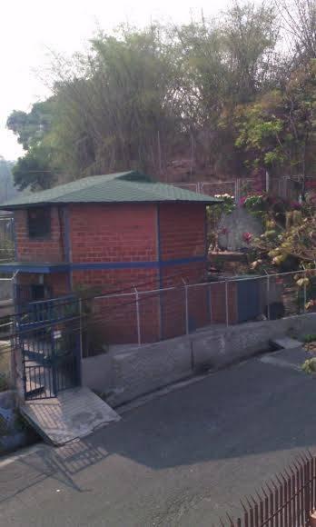 Moderno Módulo Octogonal Barrio Adentro, Consejo Comunal Planicie a Descanso, Parroquia 23 de Enero, Caracas. Foto: Cortesía del autor.