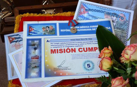 Reconocimientos y meritos alcanzados por  Eric. Foto: Arelys María ECHEVARRÍA RODRÍGUEZ/ACN
