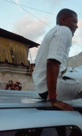 Usher asistió a una peña de hipo hop en el municipio Regla. Foto: Rachel Maury Cepero.