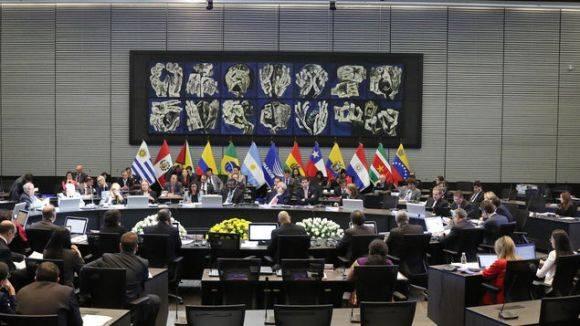Cancilleres de UNASUR hablan sobre reconstrucción de Ecuador y situación política en Brasil. Foto: EFE.