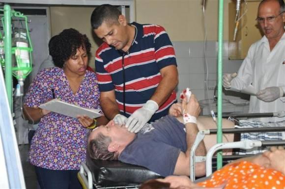 Los heridos están siendo atendidos en el Hospital Universitario General Camilo Cienfuegos. Foto: Vicente Brito/ Escambray.
