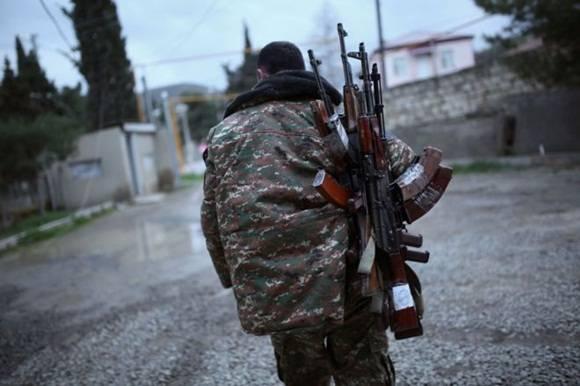 Un soldado del ejército de Nagorno Karabaj en la región de Martakert.