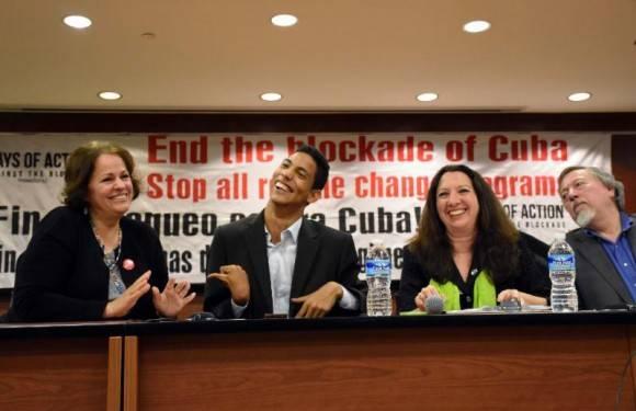 De izquierda a derecha, Barbara Curbelo, Jorgito Jerez, Alicia Jrapko y Stephen Kimber.