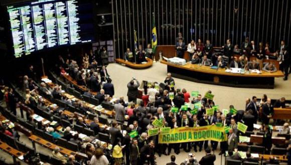 Los diputados comienzan este domingo la votación nominal. Foto: TelesurTV.