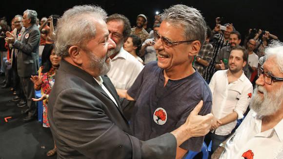 Lula y Chico Buarque en el acto de ayer. Foto: Ricardo Stuckert/ Instituto Lula