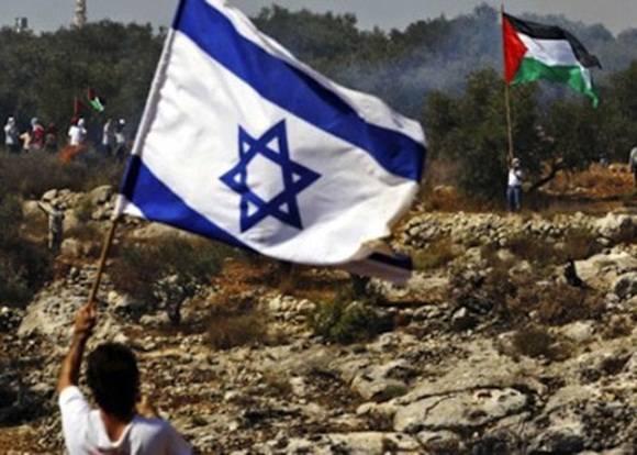 La iniciativa, aún no formalizada ante el Consejo de Seguridad, incluiría un llamado a Tel Aviv a detener la colonización mediante los asentamientos, la represión, las demoliciones de viviendas y las provocaciones, considerados obstáculos para la solución de los dos Estados.