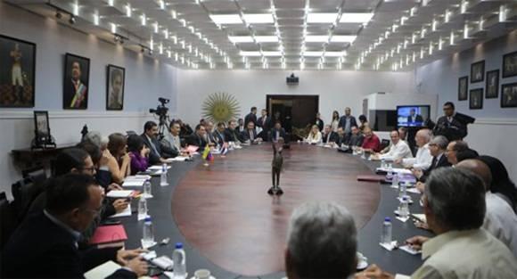 La Comisión de alto nivel Cuba-Venezuela se reunió en el Palacio de Miraflores