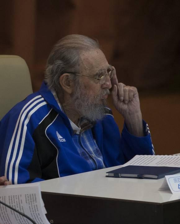 Fidel Castro asiste a la clausura del VII Congreso del Partido Comunista de Cuba. Foto: Ismael Francisco/ Cubadebate