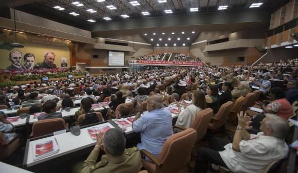 Felicita Partido Comunista de China a homólogo cubano por VII Congreso