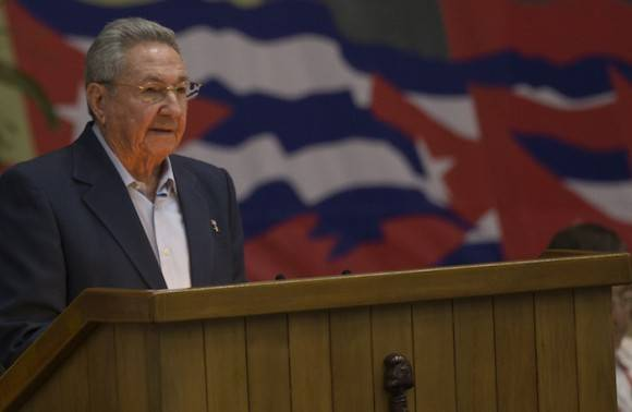 Raul Castro: A call to our combative people